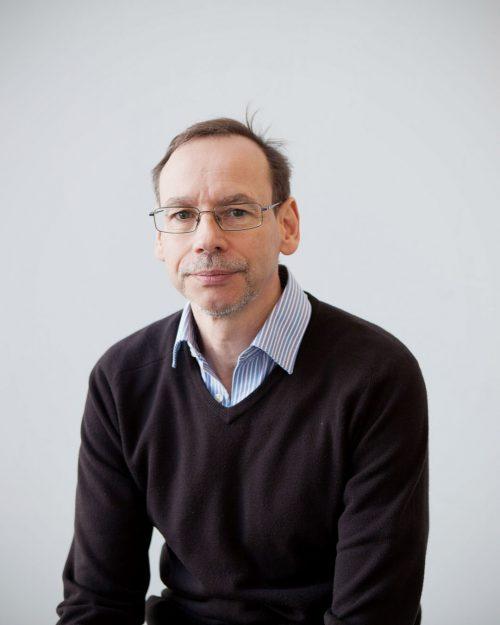 Photograph of Dr Ian Dunn, Roslin Institute, Edinburgh, Scotland © Sophie Gerrard 2015 all rights reserved.